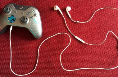 Can I Use iPhone Headphones On Xbox One?